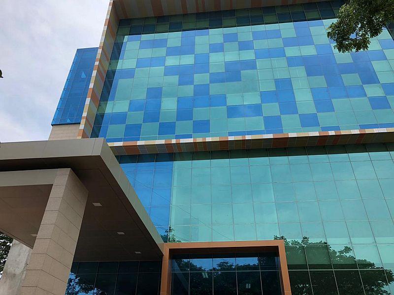 https: img-k.okeinfo.net content 2018 11 10 65 1975957 kampus-ini-miliki-gedung-multimedia-baru-intip-kemegahannya-e2mUCgUije.jpg