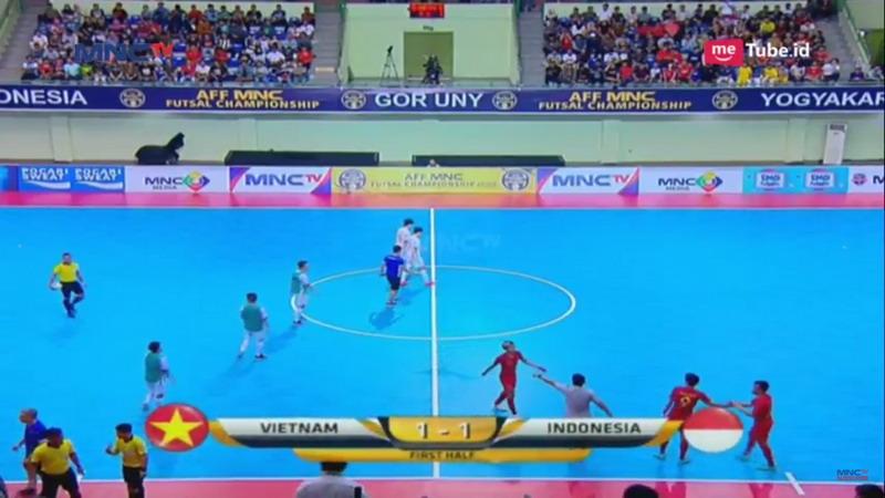 https: img-k.okeinfo.net content 2018 11 11 51 1976201 timnas-futsal-indonesia-dan-vitenam-bermain-imbang-1-1-di-babak-pertama-8flIp2mvTv.jpg