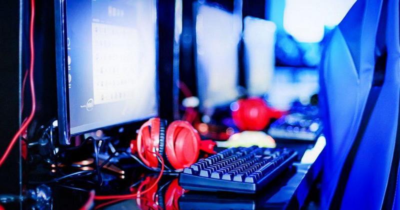 https: img-k.okeinfo.net content 2018 11 13 326 1977322 gamer-esports-bisa-unjuk-gigi-di-turnamen-loc-iii-SzbD8QpYDu.jpg