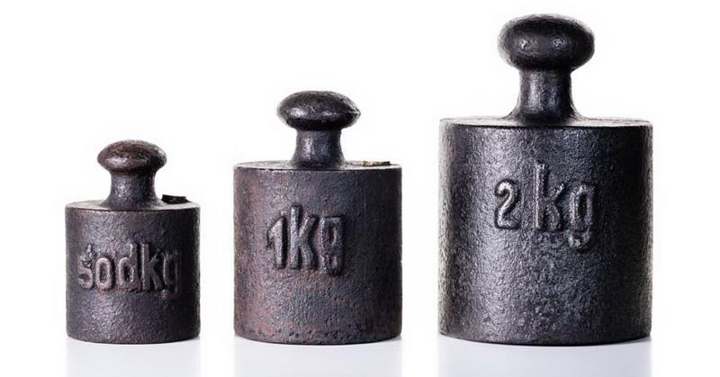 https: img-k.okeinfo.net content 2018 11 16 56 1978700 berat-1-kg-saat-ini-berbeda-dengan-1-kg-di-2019-saatnya-ganti-timbangan-hi8sKmmmkj.jpg