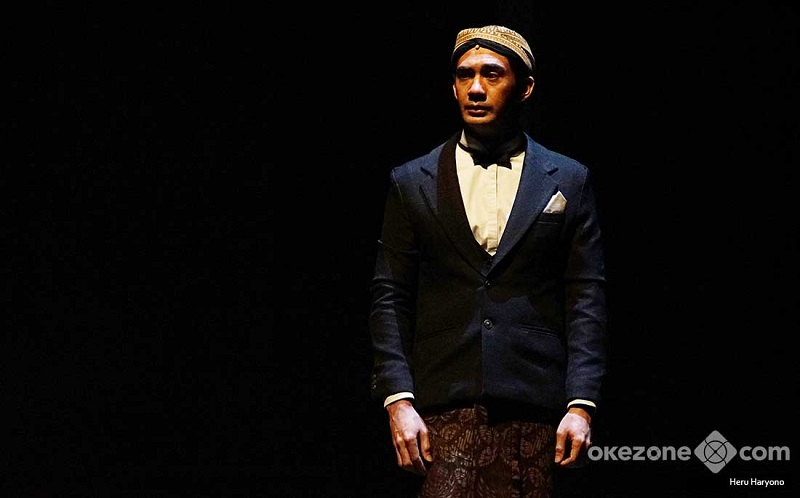Reza Rahadian Ungkap Ritual Sebelum Pementasan Teater