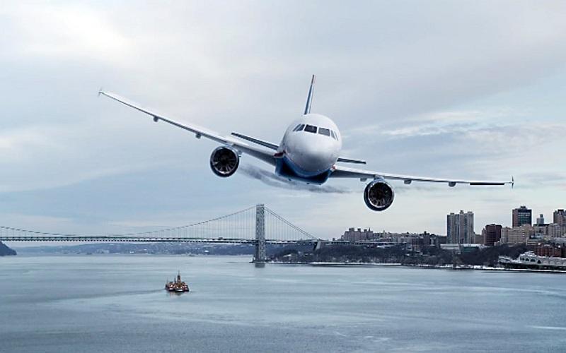 https: img-k.okeinfo.net content 2018 11 18 244 1979543 ditinggal-pesawat-perempuan-ini-pingsan-di-apron-bandara-WTe8DPKjZ8.jpg