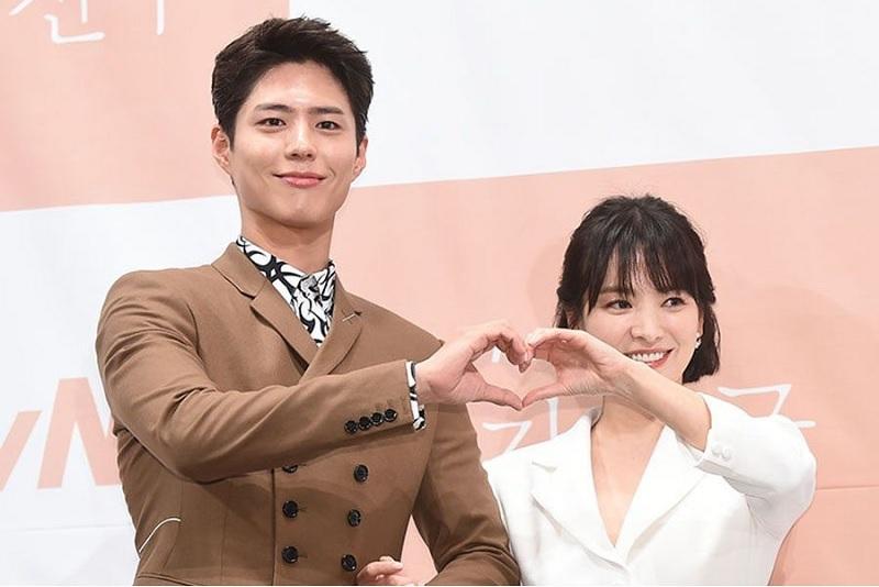https: img-k.okeinfo.net content 2018 11 21 598 1980733 akting-dengan-park-bo-gum-song-hye-kyo-dapat-dukungan-penuh-dari-song-joong-ki-rEZDUAIs3y.jpg