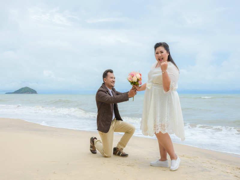 https: img-k.okeinfo.net content 2018 11 25 196 1982666 pria-yang-menikahi-wanita-chubby-10-kali-lebih-bahagia-H0iYNtEVaA.jpg