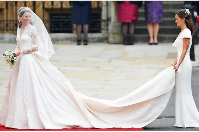 https: img-k.okeinfo.net content 2018 11 26 194 1983077 10-gaun-pengantin-selebriti-yang-ikonik-6iV9EzboDb.jpg