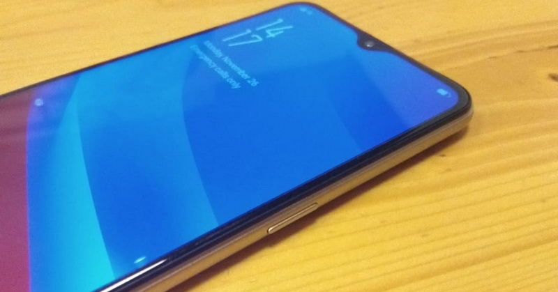 https: img-k.okeinfo.net content 2018 11 26 92 1982993 kesan-pertama-menggenggam-oppo-a7-ponsel-kelas-menengah-dengan-desain-premium-WHu19abqgS.jpg