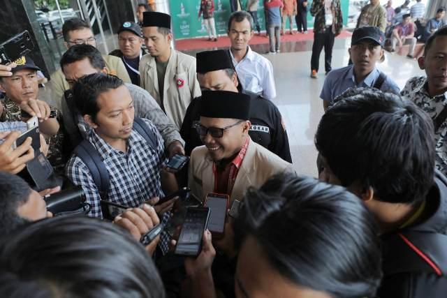 https: img-k.okeinfo.net content 2018 11 28 510 1984209 kepemimpinan-dahnil-anzar-di-pemuda-muhammadiyah-diakui-luar-biasa-wcgKJOIP3T.jpeg