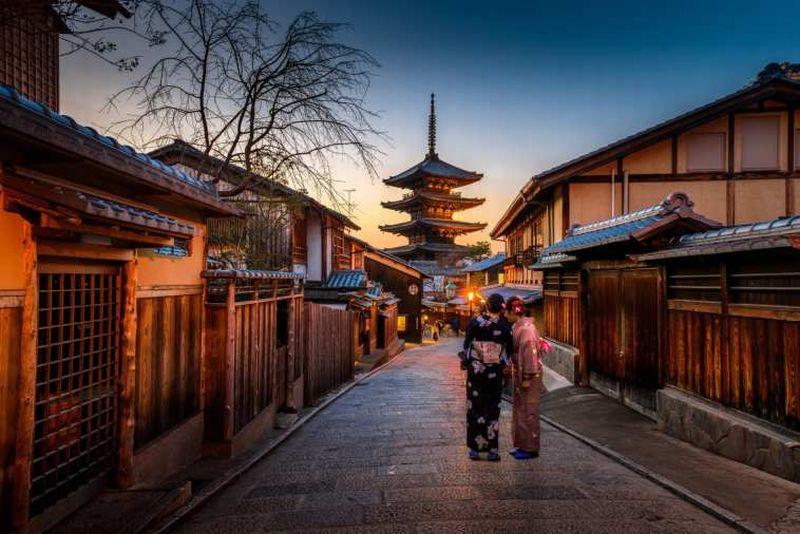 https: img-k.okeinfo.net content 2018 12 03 406 1985995 catat-5-destinasi-wisata-jepang-yang-ramah-turis-muslim-eAc3Q8BCmv.jpg