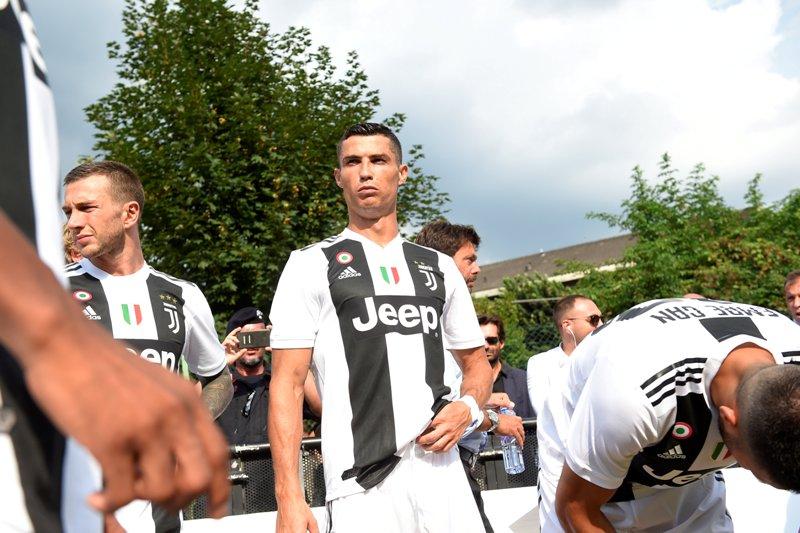 Gelandang Inter Milan Larang Nama Ronaldo Disebut di Rumahnya