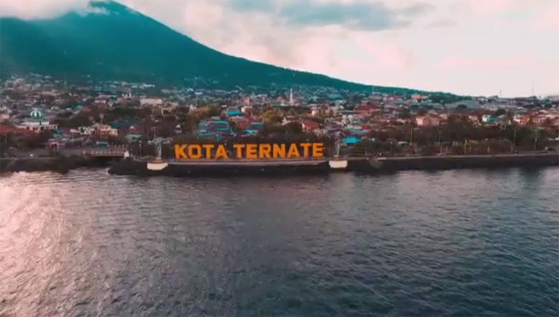 https: img-k.okeinfo.net content 2018 12 04 406 1986837 eksotisme-maluku-utara-salah-satu-bali-baru-indonesia-A3gESn2KPq.jpg