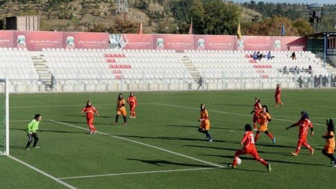 https: img-k.okeinfo.net content 2018 12 05 18 1986959 tim-sepakbola-perempuan-afganistan-alami-pelecehan-seksual-syACRhUEs4.jpg