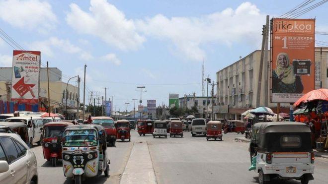 https: img-k.okeinfo.net content 2018 12 05 18 1987140 setelah-27-tahun-as-kembali-buka-misi-diplomatik-di-somalia-w70hufnPiL.jpg