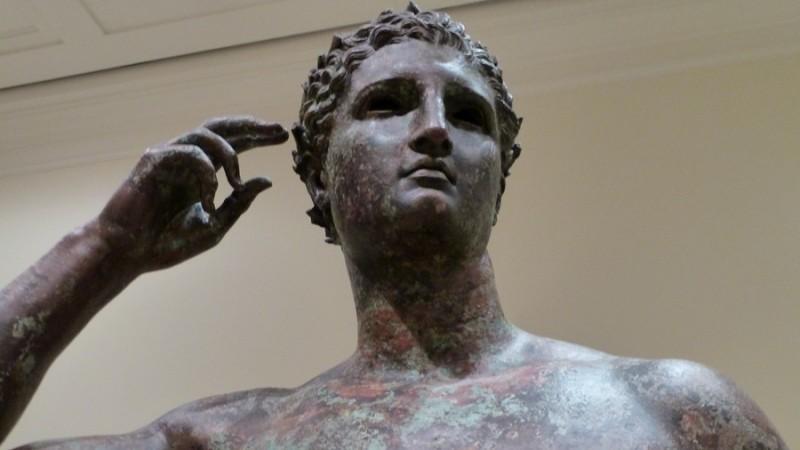 https: img-k.okeinfo.net content 2018 12 06 18 1987754 pengadilan-perintahkan-museum-as-kembalikan-patung-berusia-2-000-tahun-ke-italia-iODgzMqL11.jpg