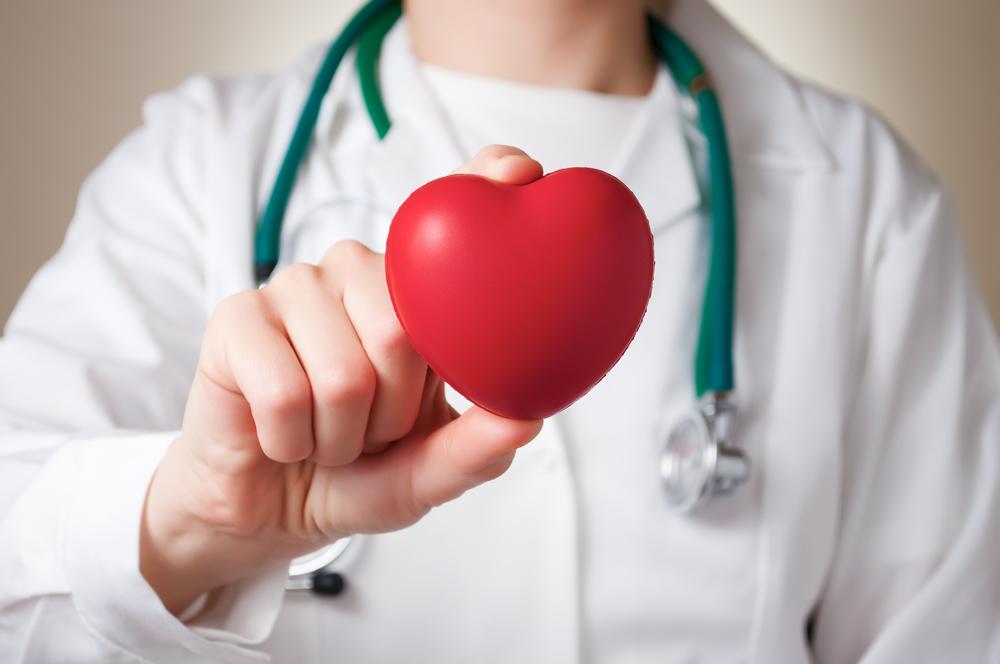 https: img-k.okeinfo.net content 2018 12 06 481 1987800 mengenal-kesalahpahaman-sakit-jantung-yang-renggut-nyawa-benyamin-sueb-dan-basuki-GGStVfmUxx.jpg