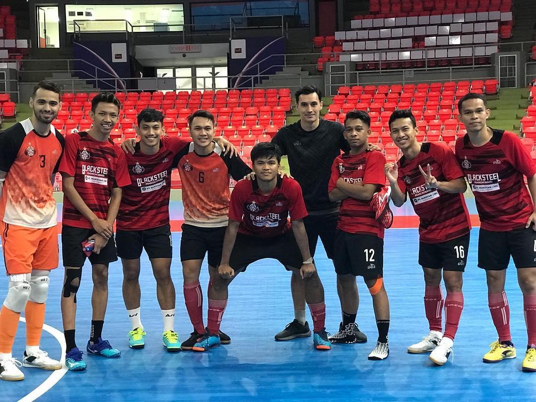 https: img-k.okeinfo.net content 2018 12 06 51 1987570 para-pemain-yang-bakal-bersinar-di-pro-futsal-league-2019-ihFtruHK7f.jpg