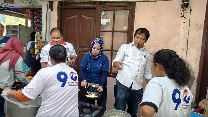 https: img-k.okeinfo.net content 2018 12 08 338 1988596 penuhi-permintaan-warga-caleg-perindo-gelar-pelatihan-cooking-class-di-bekasi-AuOSsWVYEE.jpg
