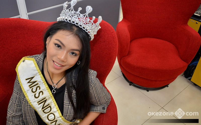 https: img-k.okeinfo.net content 2018 12 09 194 1988754 usai-miss-world-2018-natasha-mannuela-alya-tetap-kuat-kamu-sudah-bawa-kemenangan-untuk-indonesia-svEPTfE11Z.jpg