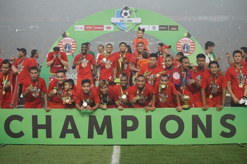 https: img-k.okeinfo.net content 2018 12 09 49 1988899 penantian-17-tahun-persija-jakarta-akan-gelar-juara-liga-indonesia-zyE4LRhrcY.jpeg