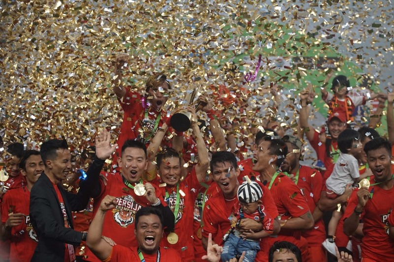 https: img-k.okeinfo.net content 2018 12 09 49 1988921 foto-foto-perayaan-pesta-juara-persija-jakarta-Xph023QMNg.jpeg