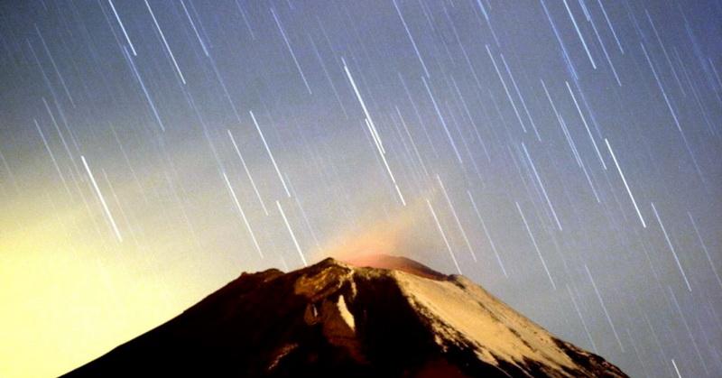 https: img-k.okeinfo.net content 2018 12 14 56 1991484 16-desember-fenomena-komet-paling-terang-dekati-bumi-ZNy5DUeiFJ.jpg