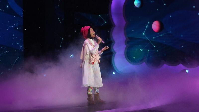 https: img-k.okeinfo.net content 2018 12 14 598 1991342 maia-estianty-doakan-raisya-jadi-bintang-setelah-lulus-indonesian-idol-junior-GGrqXzPpiQ.jpg
