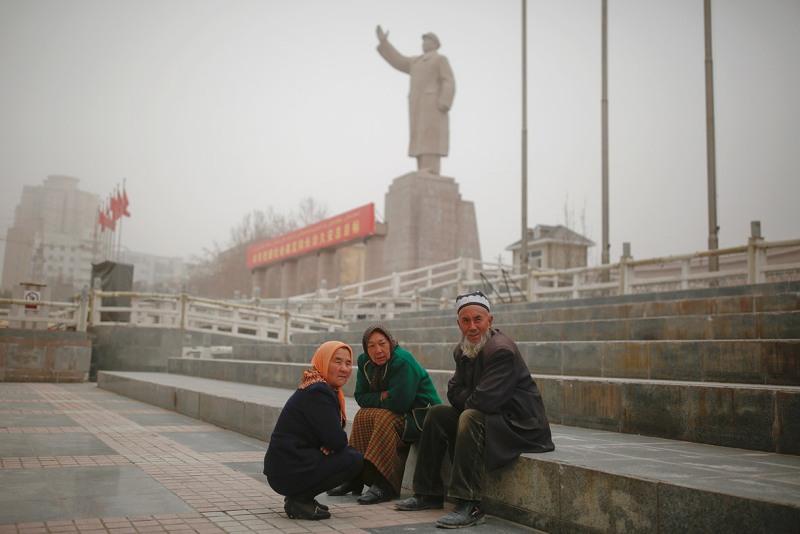 https: img-k.okeinfo.net content 2018 12 18 18 1992971 china-dan-perlakuan-pada-muslim-uighur-yang-perlu-anda-ketahui-7zK3q8trbm.jpg