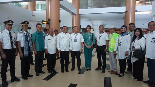 https: img-k.okeinfo.net content 2018 12 18 320 1992991 akhirnya-garuda-indonesia-terbang-dari-bandara-kertajati-ke-mana-rutenya-wqunha0BdN.jpg