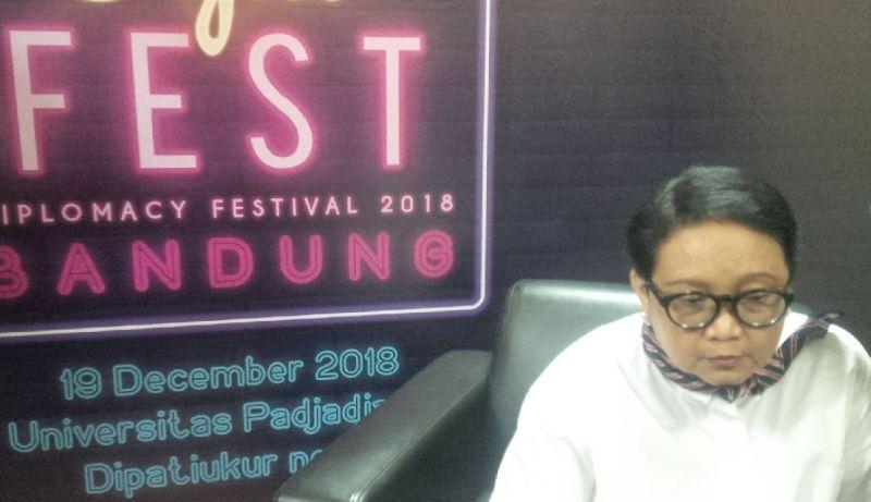 https: img-k.okeinfo.net content 2018 12 19 18 1993496 gelar-diplomacy-festival-2018-menlu-retno-harap-masyarakat-paham-politik-luar-negeri-FCJVEB0FRZ.jpg