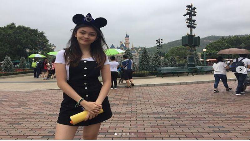https: img-k.okeinfo.net content 2018 12 20 196 1994047 jadi-miss-popular-skate-bangkok-2018-intip-pesona-sasikirana-anak-anjasmara-s6NpaPpzRd.jpg