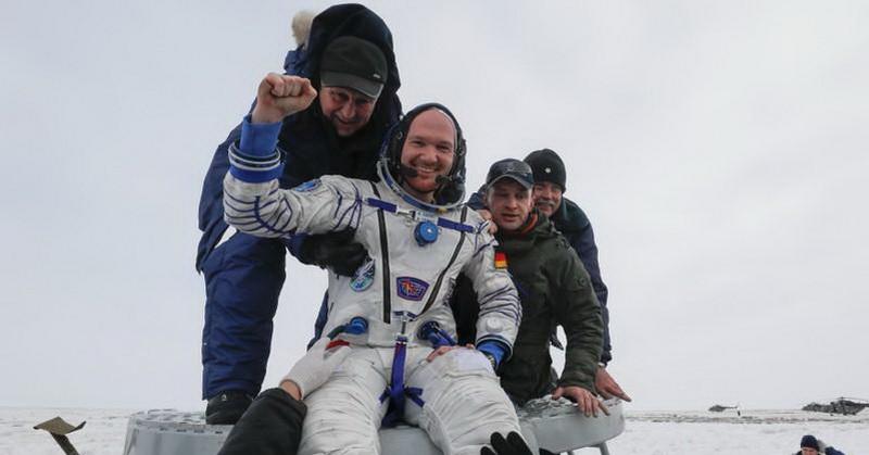 https: img-k.okeinfo.net content 2018 12 20 56 1994085 astronot-mendarat-ke-bumi-dari-stasiun-luar-angkasa-uJmcd5KB56.jpg