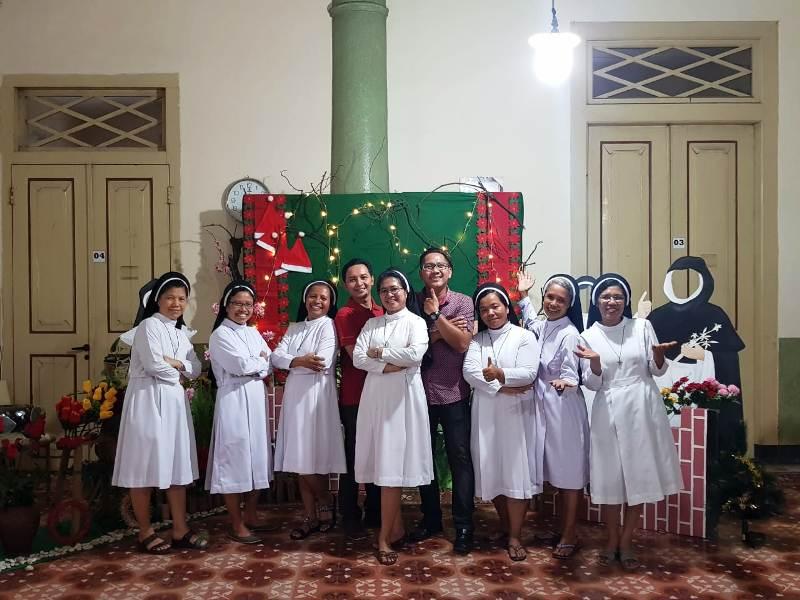 https: img-k.okeinfo.net content 2018 12 25 525 1995882 potret-toleransi-dalam-perayaan-natal-di-kota-wali-92Ib6XyU1i.jpg