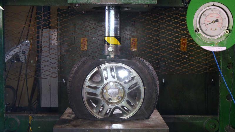 https: img-k.okeinfo.net content 2018 12 31 15 1998200 pelek-allumunium-lebih-kuat-dari-pelek-baja-ini-pengujiannya-rqe0vyd06f.jpg