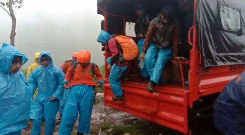 https: img-k.okeinfo.net content 2019 01 02 609 1998843 basarnas-bentuk-tim-cari-2-pendaki-yang-tersesat-di-gunung-bawakaraeng-hBFBlM8kba.jpg