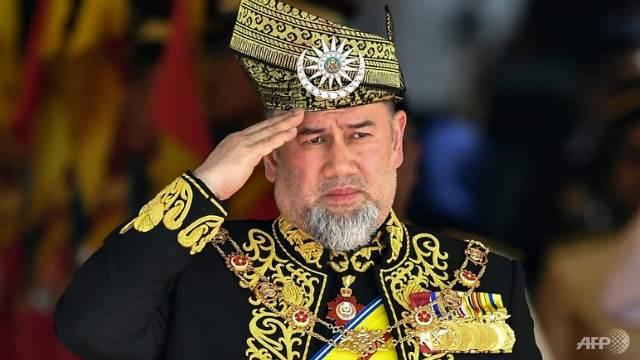 https: img-k.okeinfo.net content 2019 01 07 18 2000802 menikah-dengan-ratu-kecantikan-rusia-raja-malaysia-pilih-turun-tahta-F30VVdePvu.jpg