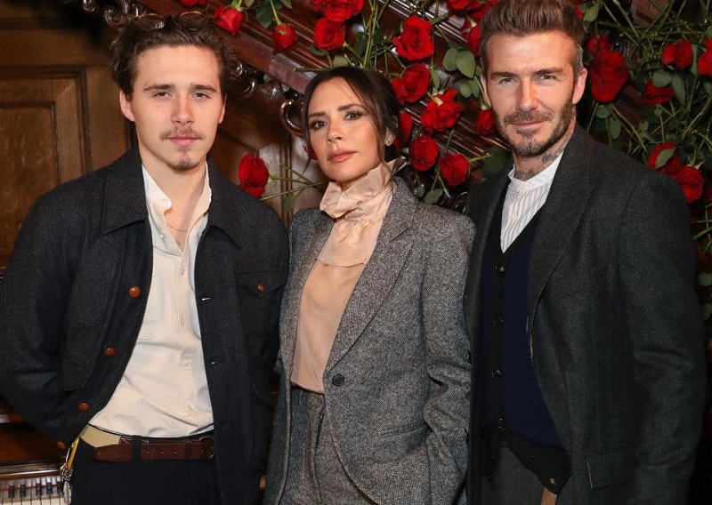 https: img-k.okeinfo.net content 2019 01 07 196 2001219 sambut-pacar-baru-brooklyn-david-dan-victoria-beckham-tampil-harmonis-di-london-fashion-week-7lxykzvnoz.jpg