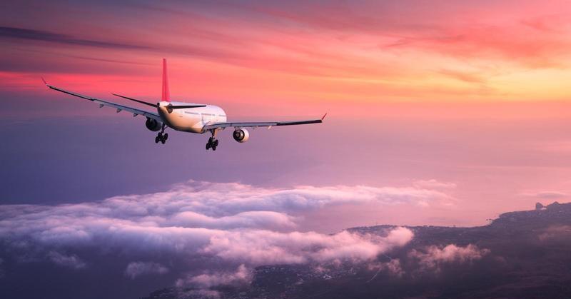 https: img-k.okeinfo.net content 2019 01 07 207 2001123 mengapa-powerbank-kapasitas-besar-tak-boleh-dibawa-dalam-pesawat-terbang-HqJvIQdcEo.jpg