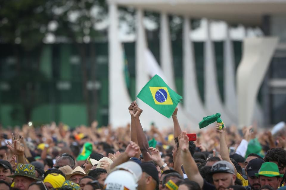 https: img-k.okeinfo.net content 2019 01 09 278 2002055 pasar-saham-brasil-catat-kinerja-terbaik-di-dunia-v7XjGCwmNj.jpg