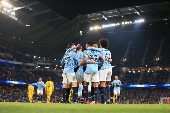 https: img-k.okeinfo.net content 2019 01 10 261 2002511 arsenal-atau-man-united-gantikan-posisi-man-city-di-liga-champions-huUvpNoFuO.jpg