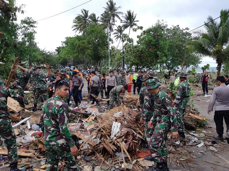 https: img-k.okeinfo.net content 2019 01 10 406 2002801 kemenpar-siapkan-23-kegiatan-untuk-recovery-pariwisata-di-daerah-tidak-terdampak-tsunami-1IfmR2F5h7.jpg