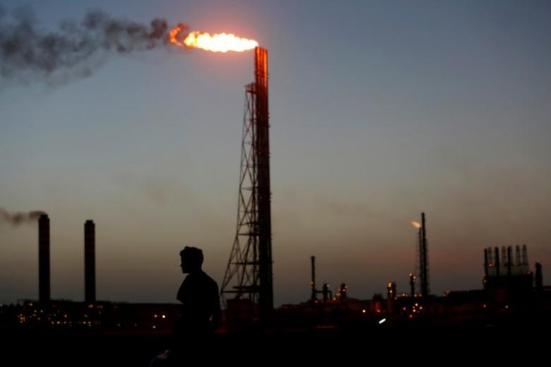 https: img-k.okeinfo.net content 2019 01 12 320 2003511 saham-sektor-energi-loyo-harga-minyak-dunia-ikut-turun-D1gLf7Sf9a.jpg