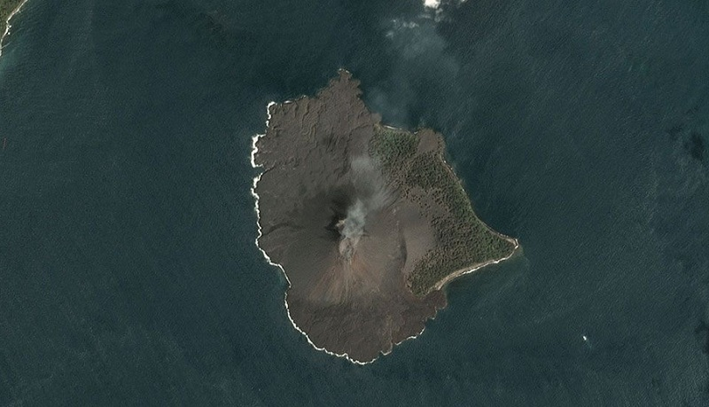 https: img-k.okeinfo.net content 2019 01 12 337 2003590 aktivitas-anak-krakatau-alami-penurunan-asap-kawah-terlihat-putih-setinggi-100-m-dpFLKFTs01.jpg