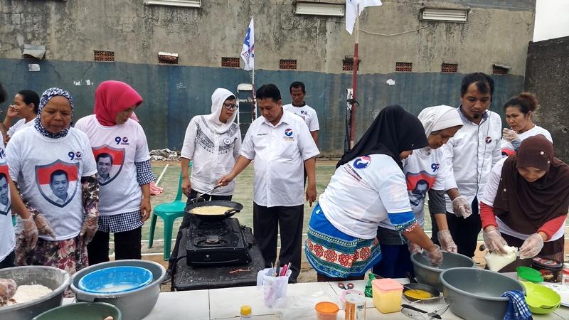 https: img-k.okeinfo.net content 2019 01 14 338 2004440 peduli-pemberdayaan-umkm-caleg-perindo-beri-pelatihan-wirausaha-dan-cooking-class-qYK2aGmaYl.jpg