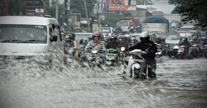 https: img-k.okeinfo.net content 2019 01 14 525 2004173 kabupaten-bandung-kebanjiran-3-ruas-jalan-terputus-DnuUYhKkQi.jpg