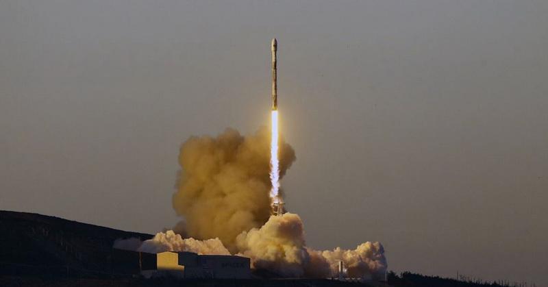 https: img-k.okeinfo.net content 2019 01 14 56 2004340 spacex-luncurkan-10-satelit-komunikasi-iridium-f1hegsdtza.jpg