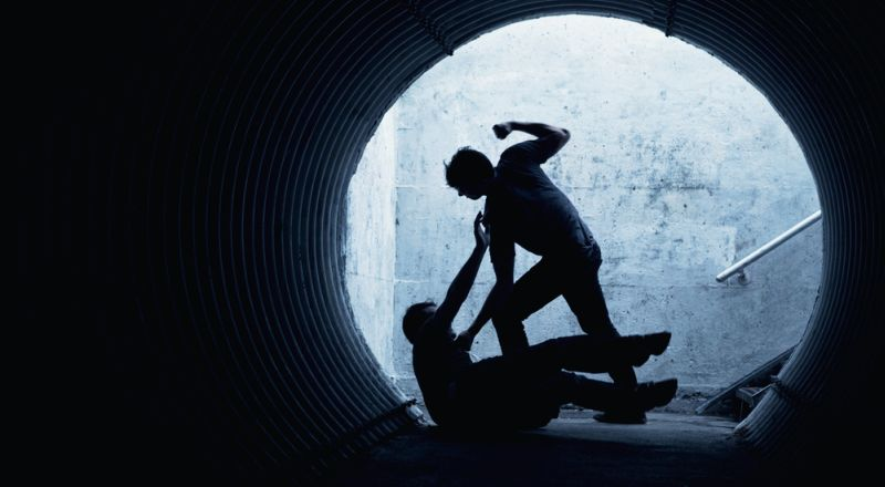 https: img-k.okeinfo.net content 2019 01 15 340 2004717 pengedar-narkoba-keroyok-seorang-polisi-di-riau-brJcxjQNVC.jpg