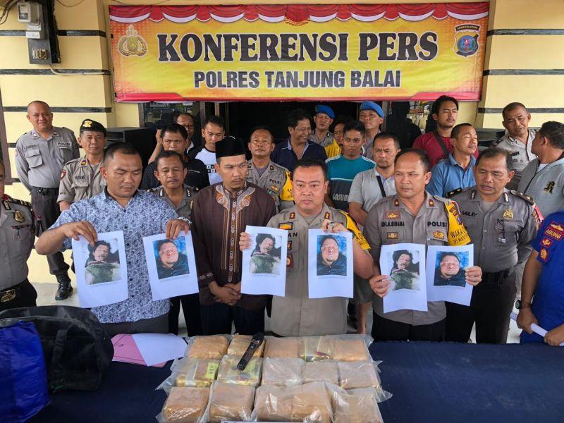 https: img-k.okeinfo.net content 2019 01 16 608 2005168 polisi-tembak-mati-2-anggota-sindikat-narkoba-jaringan-malaysia-15-kg-sabu-diamankan-AYkqXO2Drp.jpg