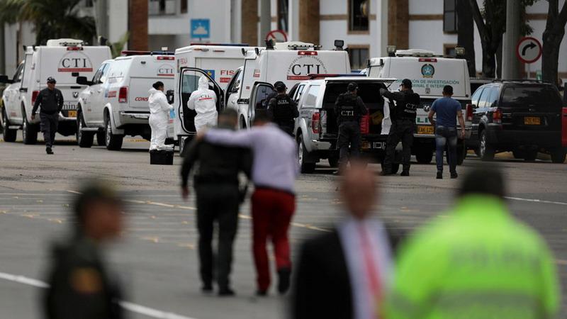https: img-k.okeinfo.net content 2019 01 18 18 2006127 serangan-bom-mobil-di-ibu-kota-kolombia-tewaskan-10-orang-luka-puluhan-lainnya-oQe6b4xZvj.jpg