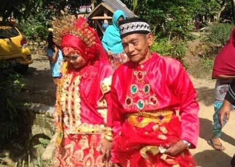 https: img-k.okeinfo.net content 2019 01 20 340 2006872 viral-romantisnya-kakek-umur-70-tahun-nikahi-wanita-muda-tt9yCmkeZn.jpg