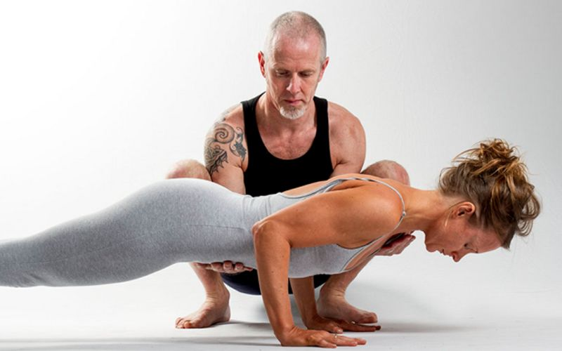https: img-k.okeinfo.net content 2019 01 22 481 2007962 yoga-atasi-nyeri-tulang-belakang-ini-gerakan-yang-tepat-TtBfQZvkls.jpg