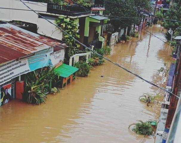 https: img-k.okeinfo.net content 2019 01 23 609 2008505 korban-tewas-akibat-banjir-dan-longsor-di-sulsel-jadi-9-orang-izsUOUGQPr.jpg